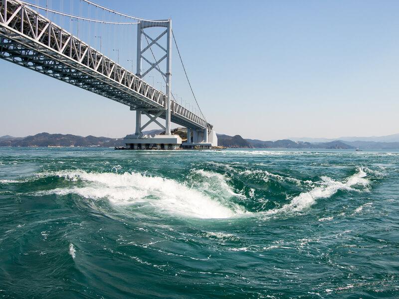 鳴門大橋(渦の道)